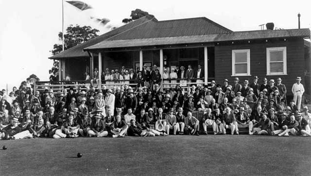Opening of Warrawee Bowling Club, 7th Sep 1906, with all attending
